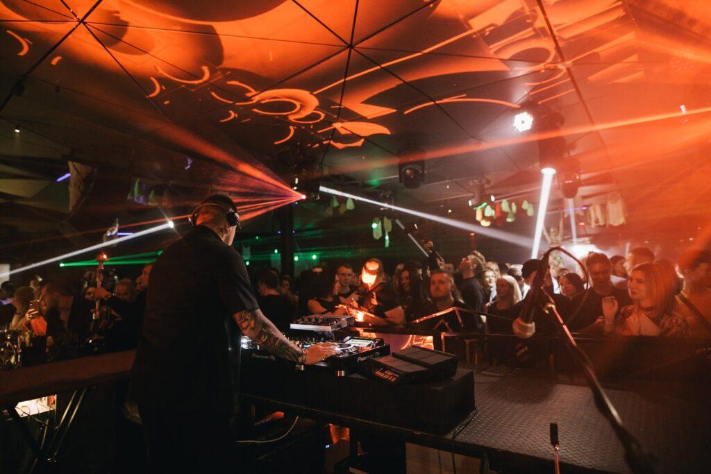 Ночной Клуб «Sky Bar»