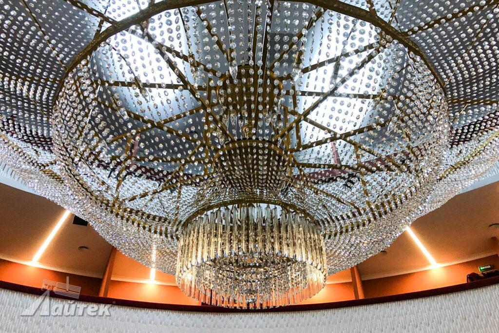 Масштабна інсталяція в Черкаському обласному академічному музично-драматичному театрі ім. Т. Г. Шевченка